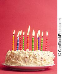 verjaardagstaart, op, rode achtergrond