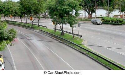 verkehr, auf, straße, in, bangkok, thailand., hd., timelapse, geschwindigkeit, auf, mit, tag, zu, evening., 1920x1080