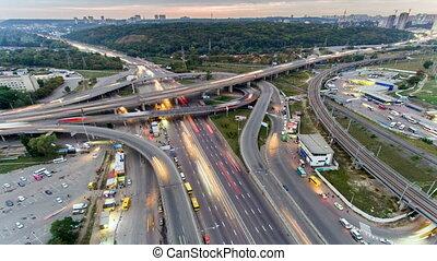 verkehr autobahn, interchange., luftaufnahmen, nacht,...