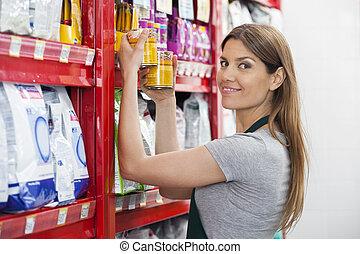 verkoopster, planken, voedingsmiddelen, aanhalen, blikjes, ...