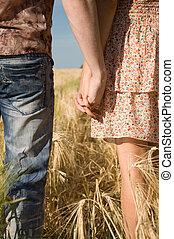 verliefd koppel, handen, vasthouden, natuur