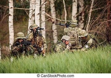 verloofd, exploratie, groep, soldaten, gebied
