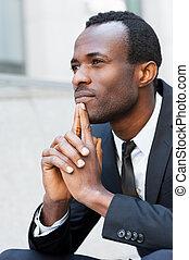 verloren, in, thoughts., nadenkend, jonge, afrikaanse man,...