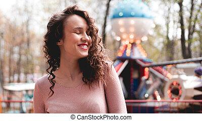 vermakelijkheid park, morning., vrouwlijk, meisje, weekend, model, verkillend, lachen