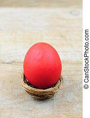vermelho, ovo páscoa, em, ninho