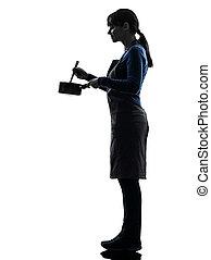 vermenging, vrouw, silhouette, het koken, pan