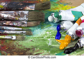 Vernice, tavolozza, spazzole, colori, artista