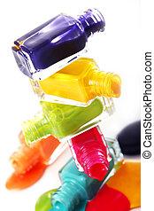 vernis à ongles, renversé, bouteilles
