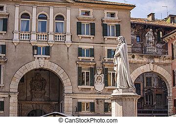 Verona's Dante statue