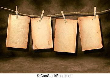 verontruste, boek, pagina's, versleten, hangend
