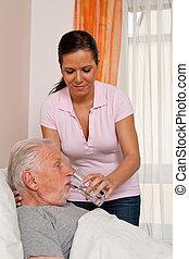 verpleegkundige, in, oud, geven om, de, bejaarden, in, altenhei