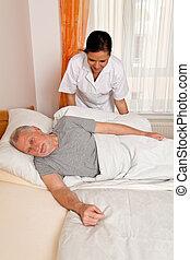 verpleegkundige, in, oud, geven om, de, bejaarden, in, verpleeghuizen