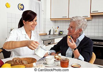 verpleegkundige, portie, bejaarde, op, ontbijt