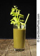 verre, à, vert, jus, céleri, branche, et, straw.