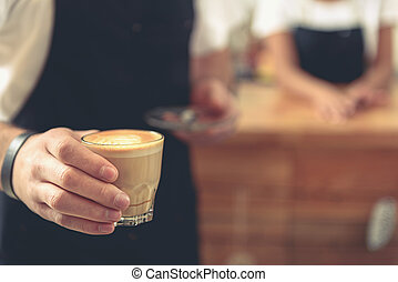 verre art, serveur, latte, tulipe, savoureux, tenue