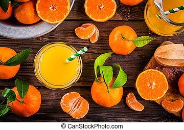verre, bois, jus, fraîchement serré, table, mandarin