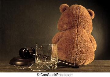 verre., cassé, ou, juge, divorce, marteau, teddy, concept, droits, dû, privation, ours, alcoholism., parental