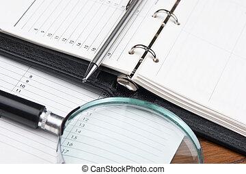 verre, stylo, agenda, magnifier