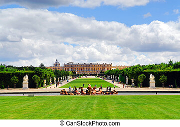 Versailles gardens and palace - Simmer view of Versailles...