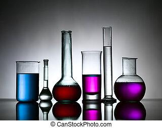 verschieden, labor, flaschen, gefüllt, mit, gefärbt,...