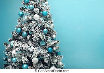 Xmas Deko Weihnachtsbaum.Blaues Geschenke Türkis Winter Dezember Verschneiter Baum