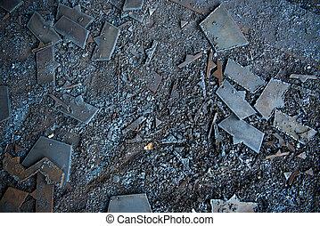 verschroten metaal, op de vloer