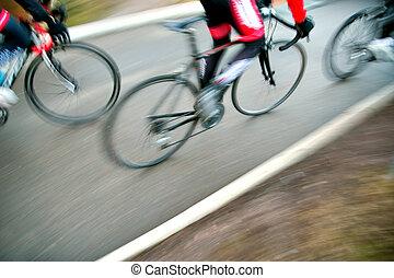 versenyzés, kerékpárosok