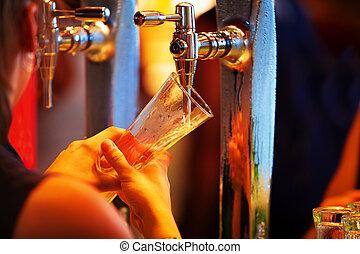 verser, bière, pub