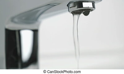 verser, robinet, chrome, couler, faible, eau