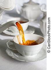 verser, tea.
