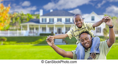 verspielt, afrikanischer amerikaner, vater sohn, vor, daheim