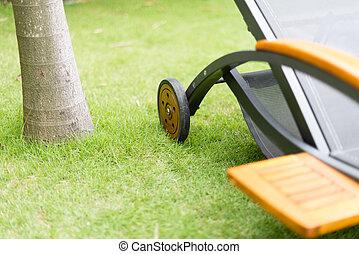 vert, arbre., métal, herbe, chaise-longue