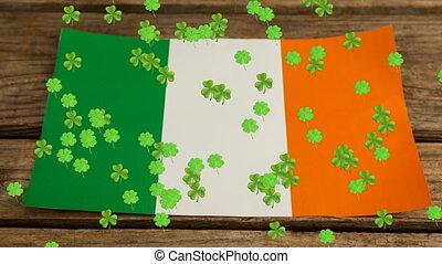 vert, flotter, patricks, animation, trèfles, drapeau, fond,...