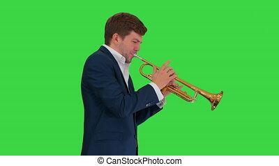 vert, jouer, marche, écran, chroma, homme, complet, jeune, key., quoique, trompette
