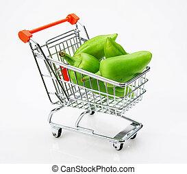 vert, poivron, paprika, dans, chariot achats, blanc, fond