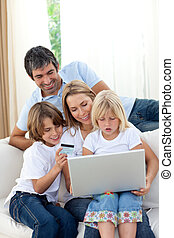 verticaal, gezin, het glimlachen, gebruik