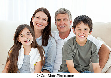 verticaal, het glimlachen, gezin
