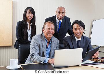 verticaal, multi etnisch, zakenlui