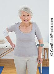 verticaal, oude vrouw, cru