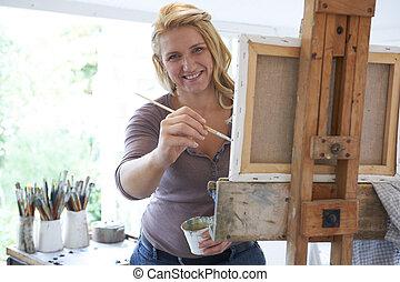 verticaal, studio, schilderij, vrouwlijk, kunstenaar