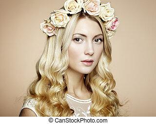 verticaal, van, een, mooi, blonde, vrouw, met, bloemen, in, haar, haar