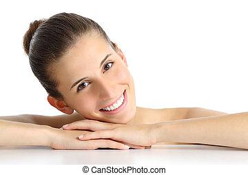 verticaal, van, een, mooi, natuurlijke , vrouw, gezichts, met, een, witte , perfect, glimlachen
