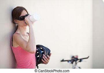 verticaal, van, een, mooi, vrouwlijk, fietser
