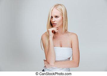 verticaal, van, een, peinzend, mooi, blonde, meisje, denken, over, iets