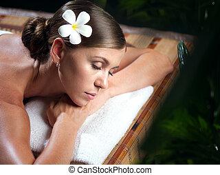 verticaal, van, jonge, mooie vrouw, in, spa, environment.