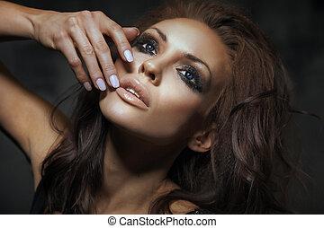 verticaal, van, mooi, brunette, dame