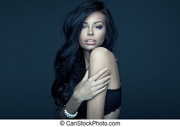 verticaal, van, mooi, brunette, vrouw