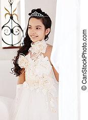verticaal, van, mooi weinig meisje, in, chic, witte kleding