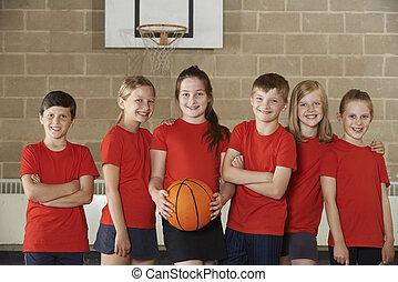verticaal, van, school, basketbal team, in, gym