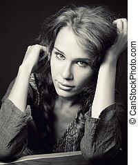 verticaal, van, sensueel, schattig, jonge vrouw